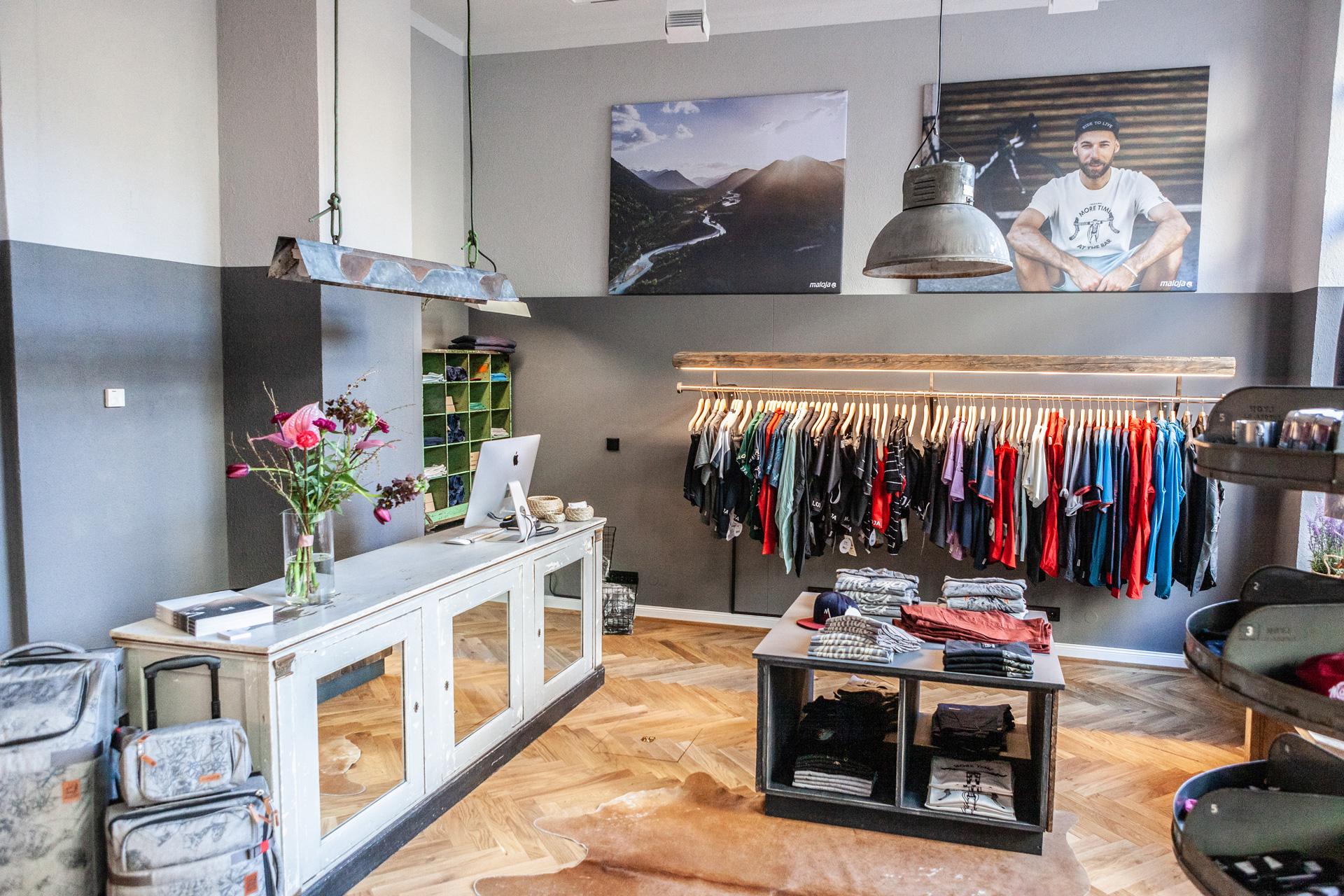 Bergblick Maloja Flagship Store Freiburg